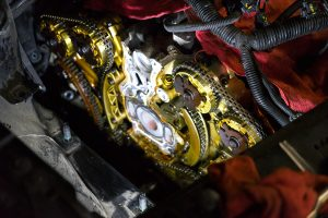 Timing Chain on a V6 Engine. Concord engine repair.